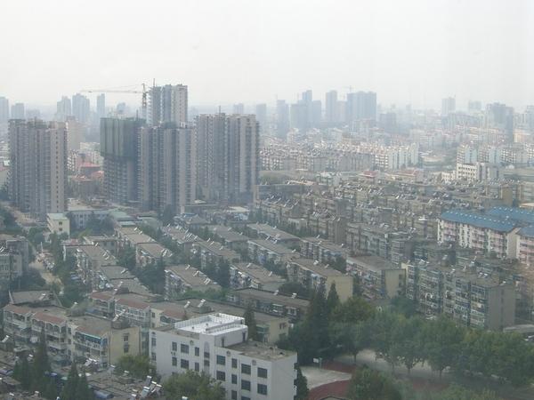 南京市容1~屋頂上的太陽能板~帥吧!.jpg