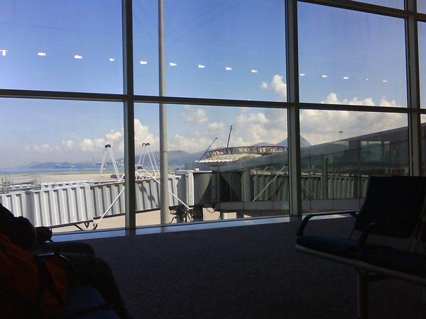 登機等候區的窗外