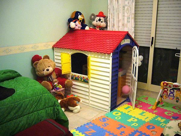 Sonia的房间让给mk睡