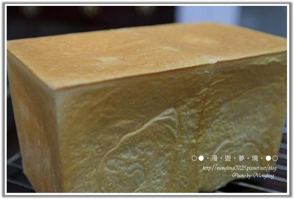 牛奶土司1.jpg