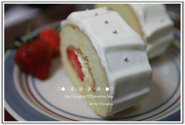 草莓心蛋糕捲1.jpg