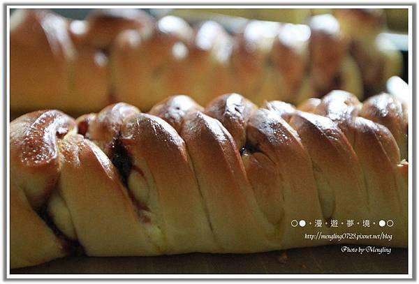 桑椹乳酪麵包2.jpg