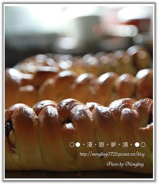 桑椹乳酪麵包4.jpg