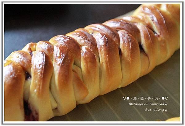 桑椹乳酪麵包1.jpg