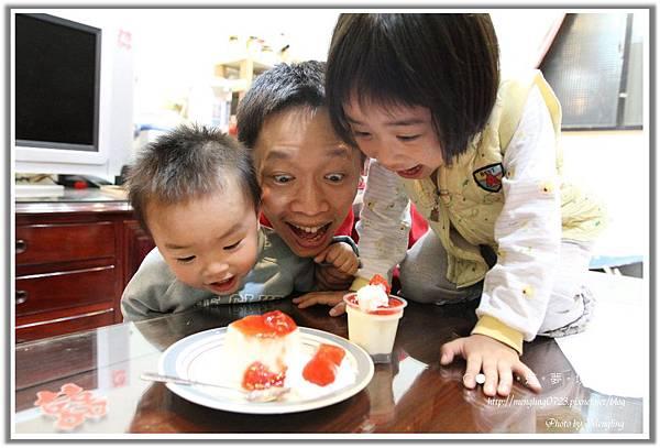 草莓鮮奶酪凍3.jpg