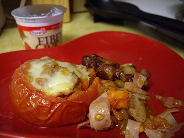 焗烤番茄 +小臘腸一條