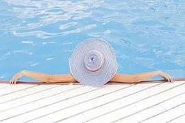 pool-690034__180