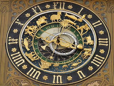 astronomical-clock-5706_640