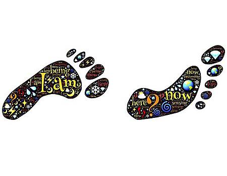 footprints-511553_640
