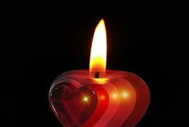 candle-386607__180
