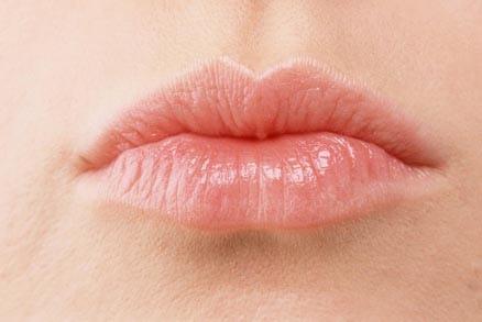 5、唇上纹理明晰秀显。