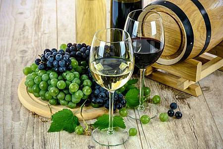 two-types-of-wine-1761613__480