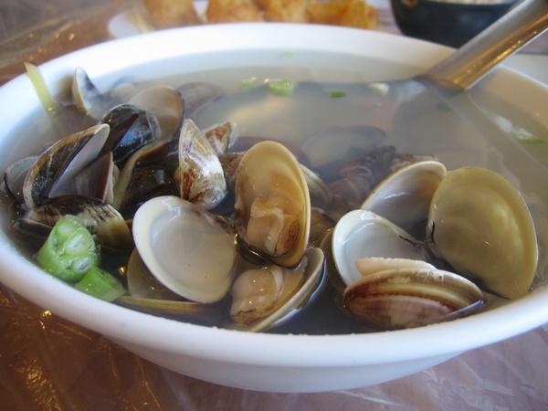 鮮美的蛤蜊湯