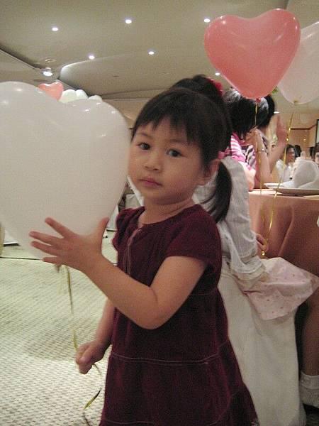 小女孩長大了