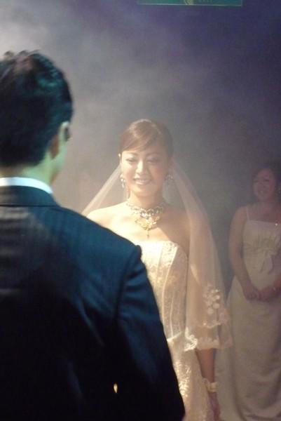 怡伶新娘造型很美~