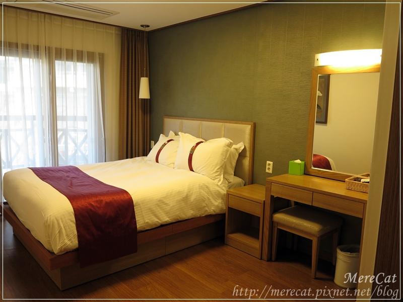 Room (3).JPG