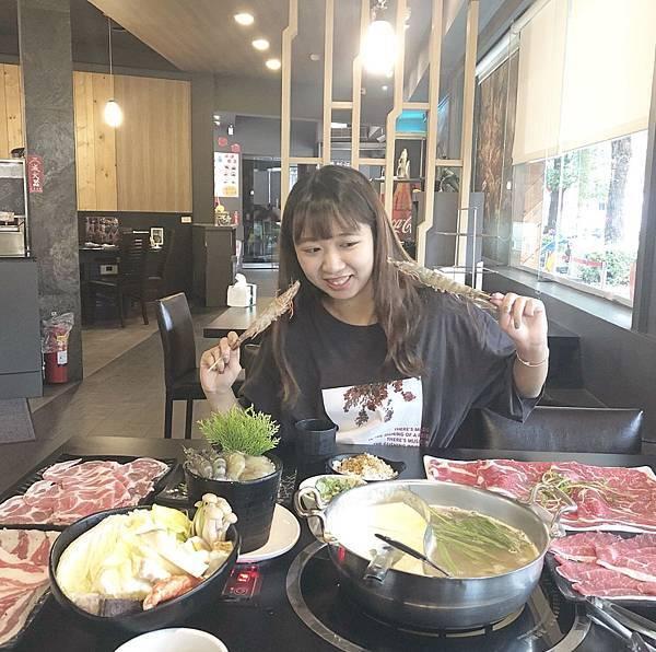 張珺涵-生活照.jpg
