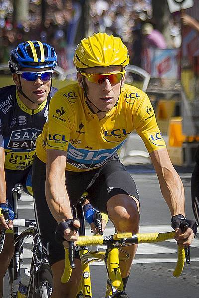 Bradley_Wiggins,_2012_Tour_de_France_finish