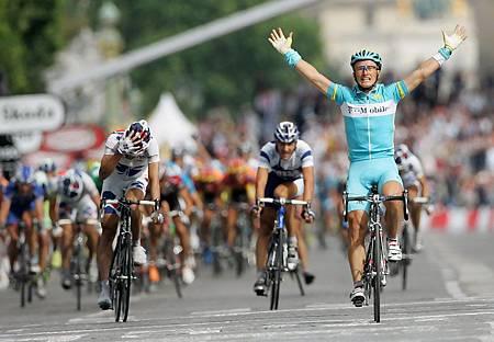 Alexandre+Vinokourov+2005+Tour+de+France+Stage+Dsj6O9Y-3K_x.JPG