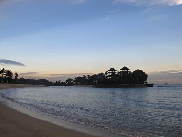 新1沙灘02.JPG