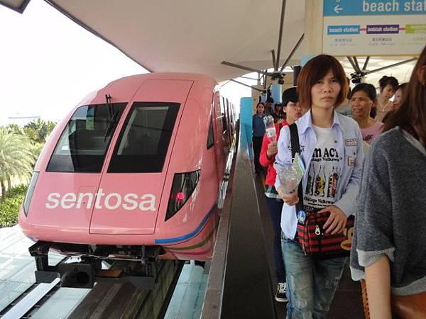 新1聖淘沙電車03.JPG