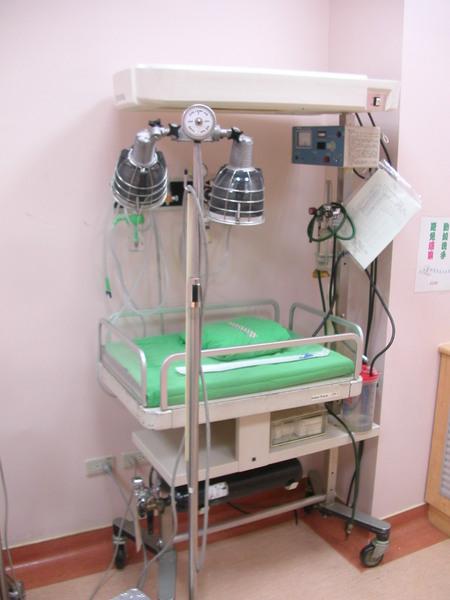Re: [新聞] 6天4醫護染疫 陳時中認「疫情來得太急」