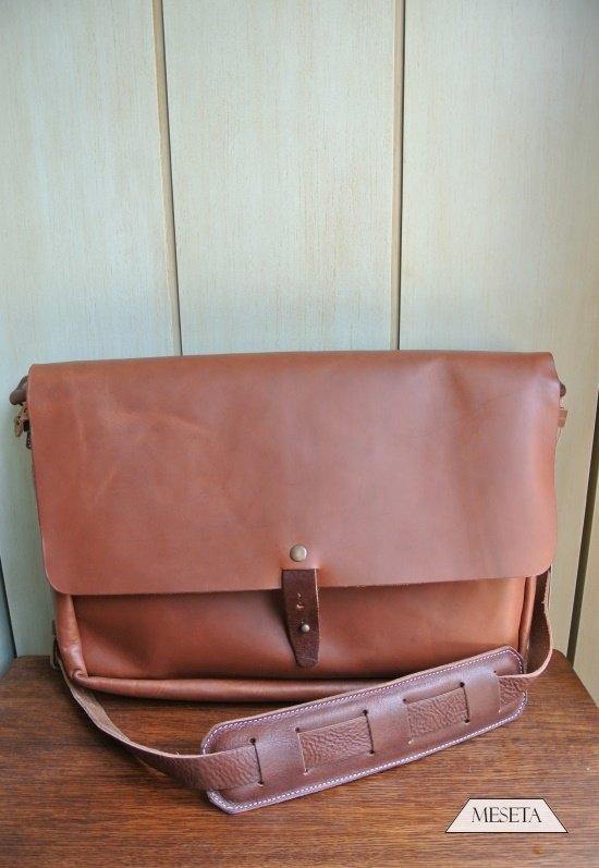 9d58c0ca2b8f  Whipping Post  Vintage Messenger Bag 植鞣皮革郵差包   Meseta 不只販售商品,更提供美感與品味。     痞客邦