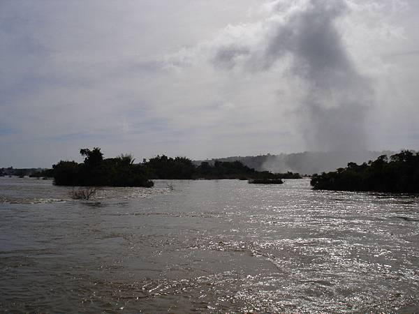 河面浮島.jpg