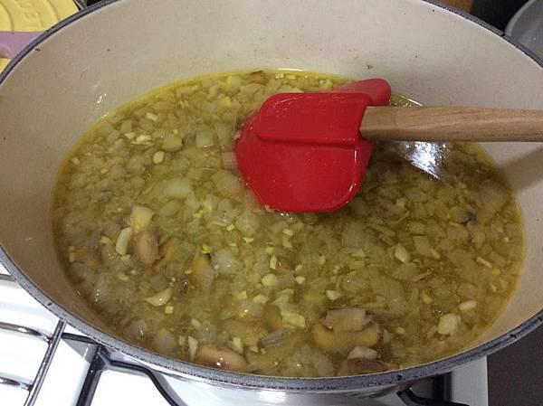 蘑菇濃湯3