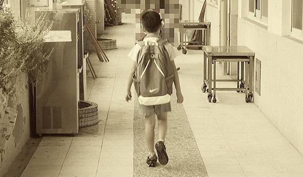 16-05-02不要把『孩子的成績』與『我們對他的愛』畫上等號.jpg