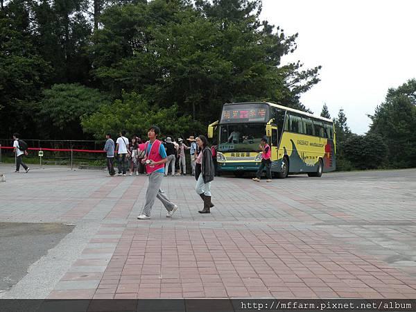 110729接駁公車抵達.JPG