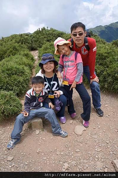 120716山頂全家福3