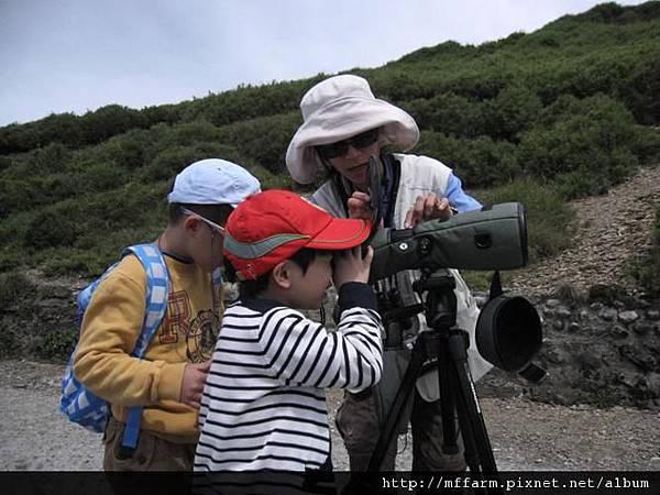 120716合歡山登山口 學習使用單筒望遠鏡