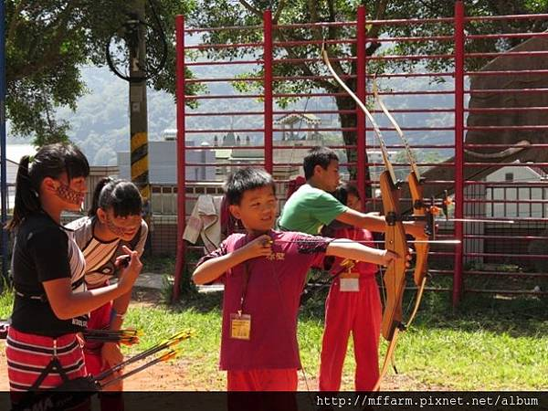 141002少年春陽 春陽國小 射箭示範與練習 (3)