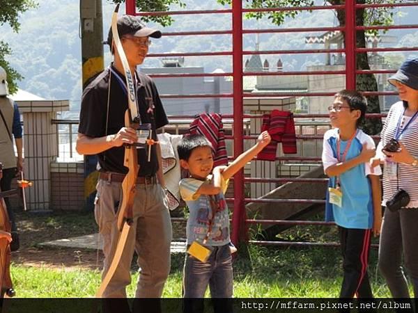 141002少年春陽 春陽國小 射箭示範與練習 (7)