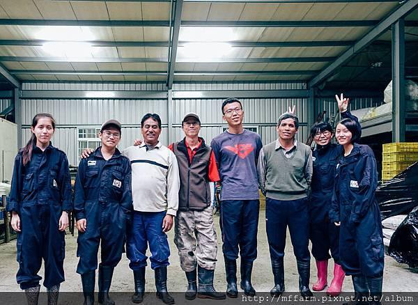 經營組實習生與經營組同仁合影 (柯志寧攝) (1)