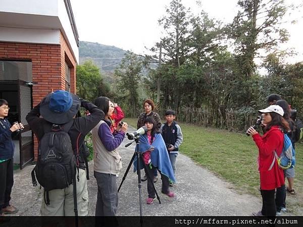 20150228-0301春陽巴萊(李圓恩) 早安賞鳥 詠婷解說望遠鏡 (1)