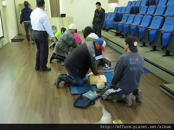 20151014-基本救命術BLS訓練 AED+CPR練習 (曾祥霖) (7)