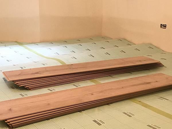 木地板 三商美福 超耐磨木地板 Megafloor Egger 室內設計 室內裝潢 蘇格蘭丹地淺橡木 環保認證 靜音墊 原裝