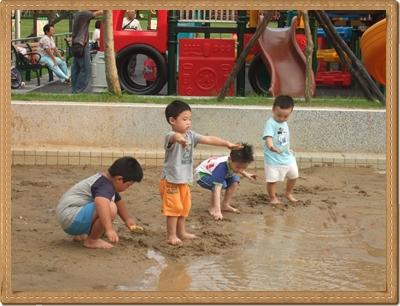 沙坑變水坑04.JPG