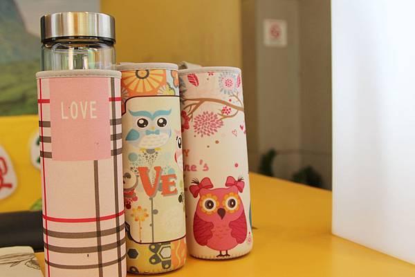 環保杯,貓頭鷹是店家獨創得環保套,環保套也能夠在五金行買到.JPG