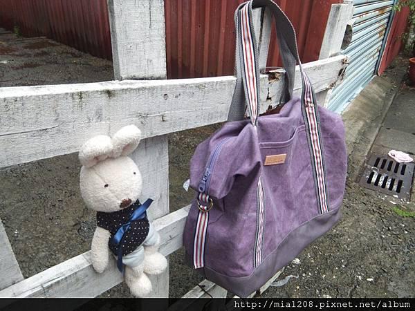 大方休閒包復刻紫款3.JPG