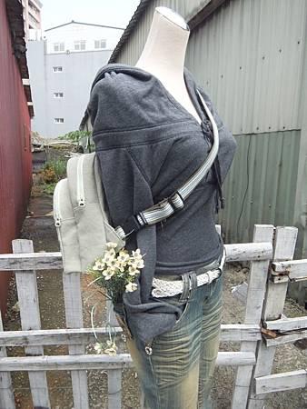 單肩後背兩用雙層背包9.JPG