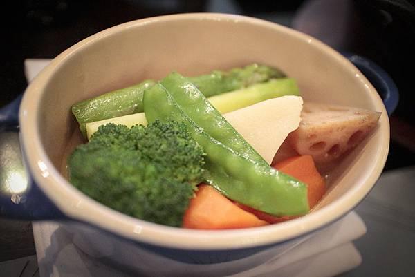雞湯煨蔬菜