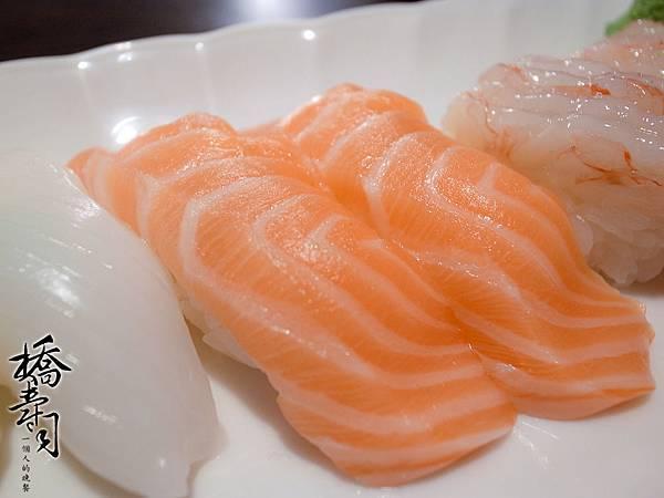 最愛吃鮭魚了!!