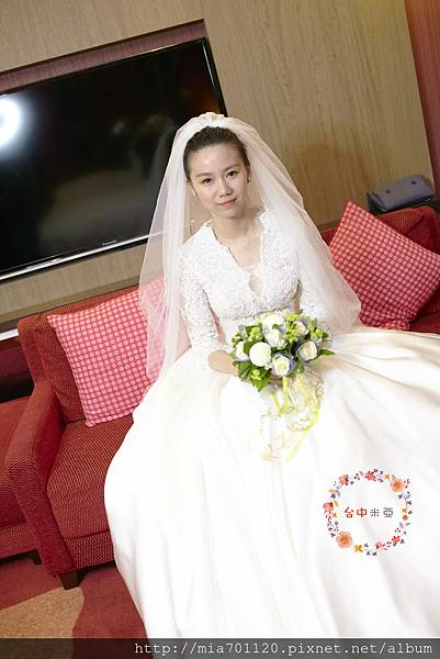 台中新娘秘書米亞 0918010746(ID)  #台中新娘秘書 #新娘秘書 #推薦新娘秘書 #推薦新密 #推薦台中新秘 #訂婚造型 #結婚造型 #典雅造型 #氣質造型