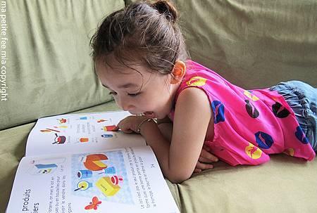 book reading 3.jpg