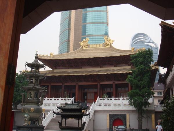靜安寺-飯店附近的靜安寺是有名的古剎.JPG