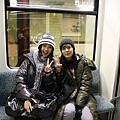 柏林地鐵中的渺渺和小璦