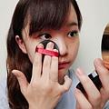【彩妝】BLANBLVN 3D 乳霜光澤唇釉+五色修片皇后粉霜|精緻妝容,魅力無法擋! (9).JPG